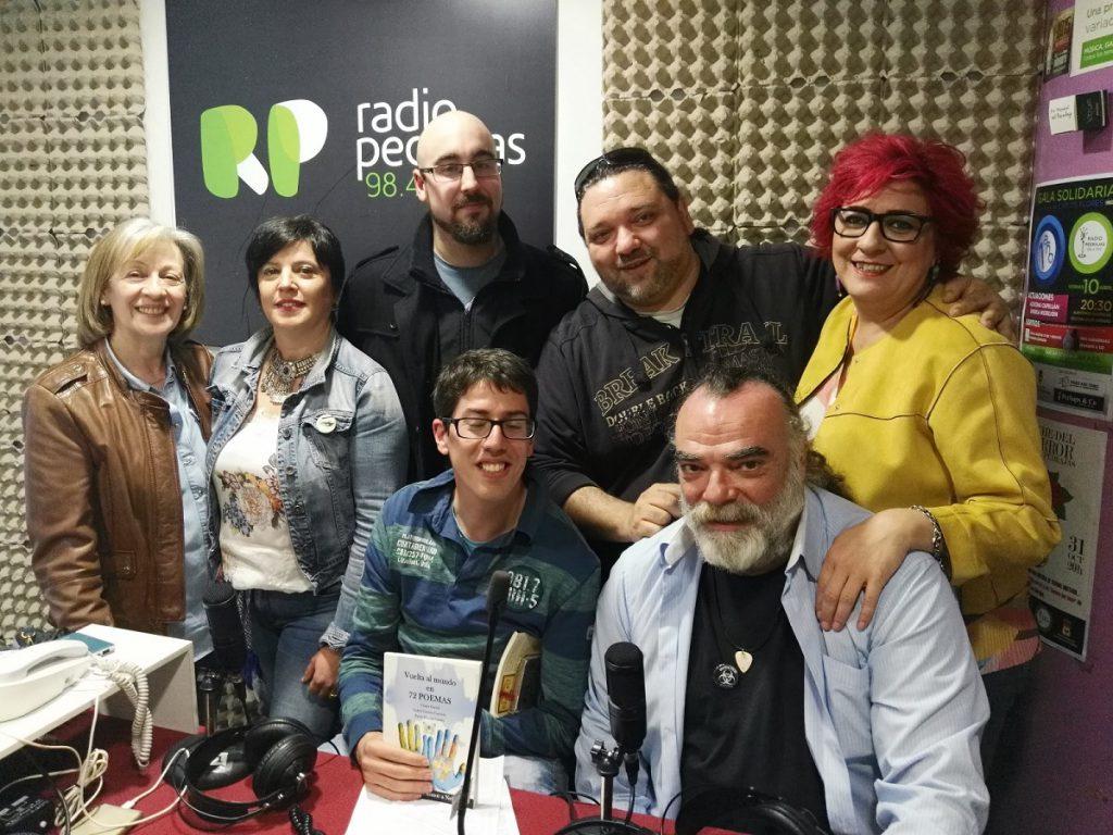 voluntarios de ACLAFEBA y equipo de Radio Pedrajas